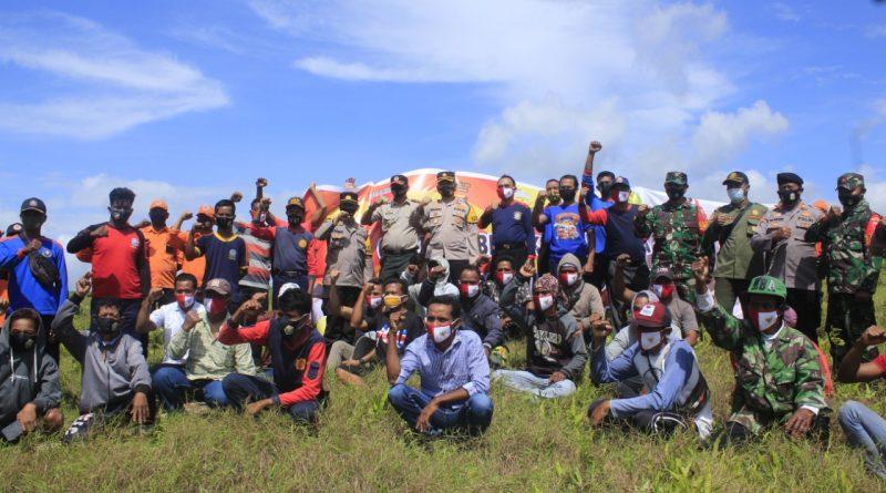 Cegah Kebakaran Hutan, Polres Buton dan Instansi Terkait Pasang Spanduk Himbauan