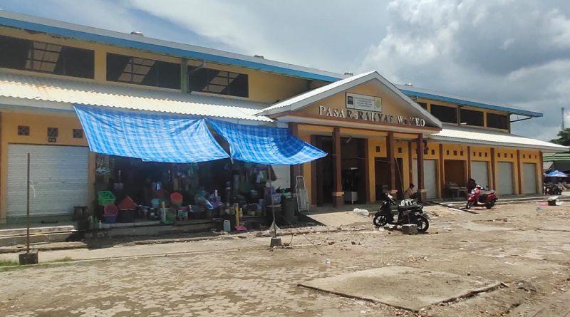Pasca Kios Darurat Dirobohkan, Pedagang Pasar Wameo Mulai Tempati Bangunan Baru